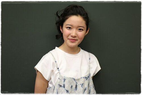 藤野涼子の水着グラビア画像とは?ビキニ姿もぽっちゃりでかわいい?