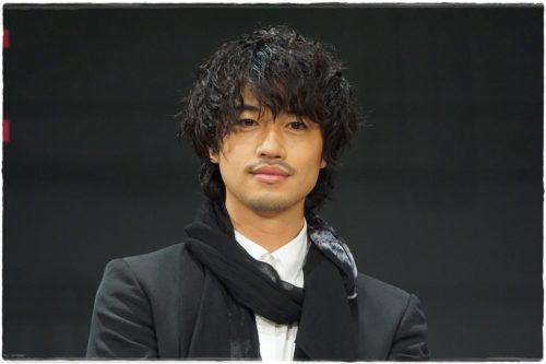 斎藤工のBGの最新髪型パーマのオーダー方法と画像。過去スタイルも!