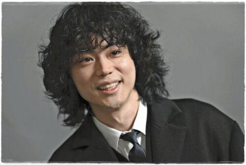 菅田将暉の髪型が似合わない?現在の最新パーマが変?歴代髪型も個性的!